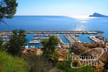 Häuser, Villen und Wohnungen in erster Meereslinie, Spanien