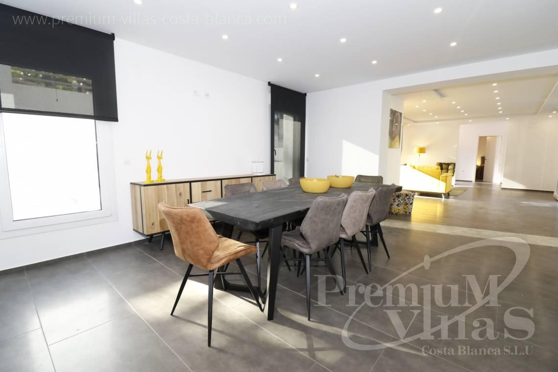 - C2252 - Moderne Villa neben dem Don Cayo Golf Club in Altea 6