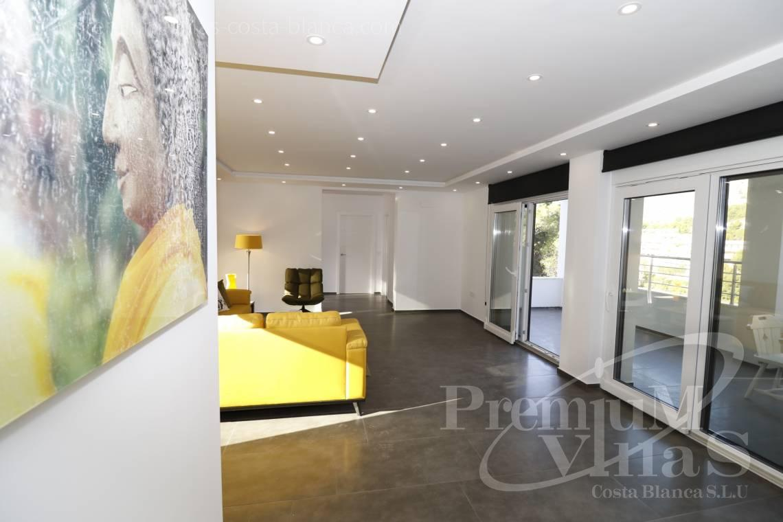 - C2252 - Moderne Villa neben dem Don Cayo Golf Club in Altea 12