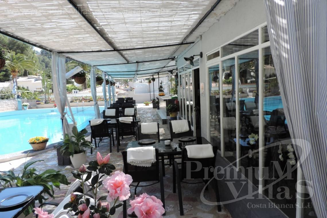 - C2083 - Gelegenheit! Funktionierendes Restaurant plus Einfamilienhaus in Altea! 9